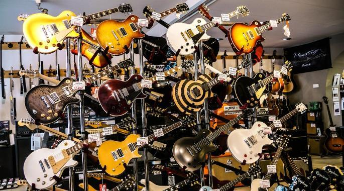 The Different Types of Electric Guitars Explained | Gearank
